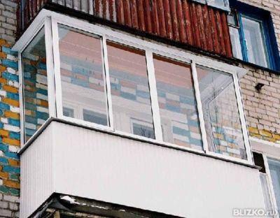 Алюминиевое остекление балкона 3100х700х700х1500 с москитной.
