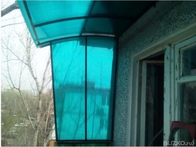 Козырек на балкон из сотового карбоната 6 мм с боковинами от.