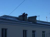Удаление сосулек и снега с крыш